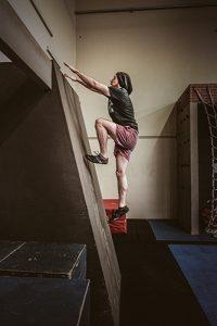 Adam Waring - Aussie Ninja - Wall climb